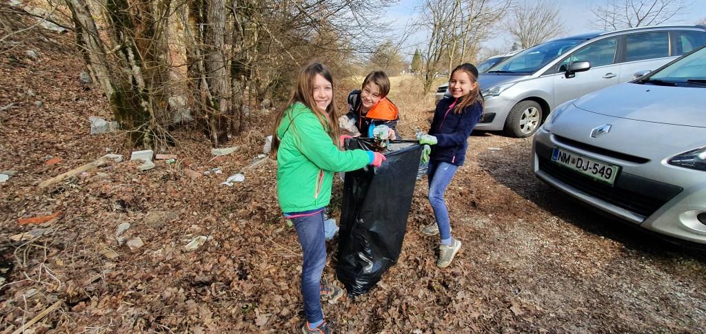 pobiranje odpadkov v KPRP. T. Mikuš (2)
